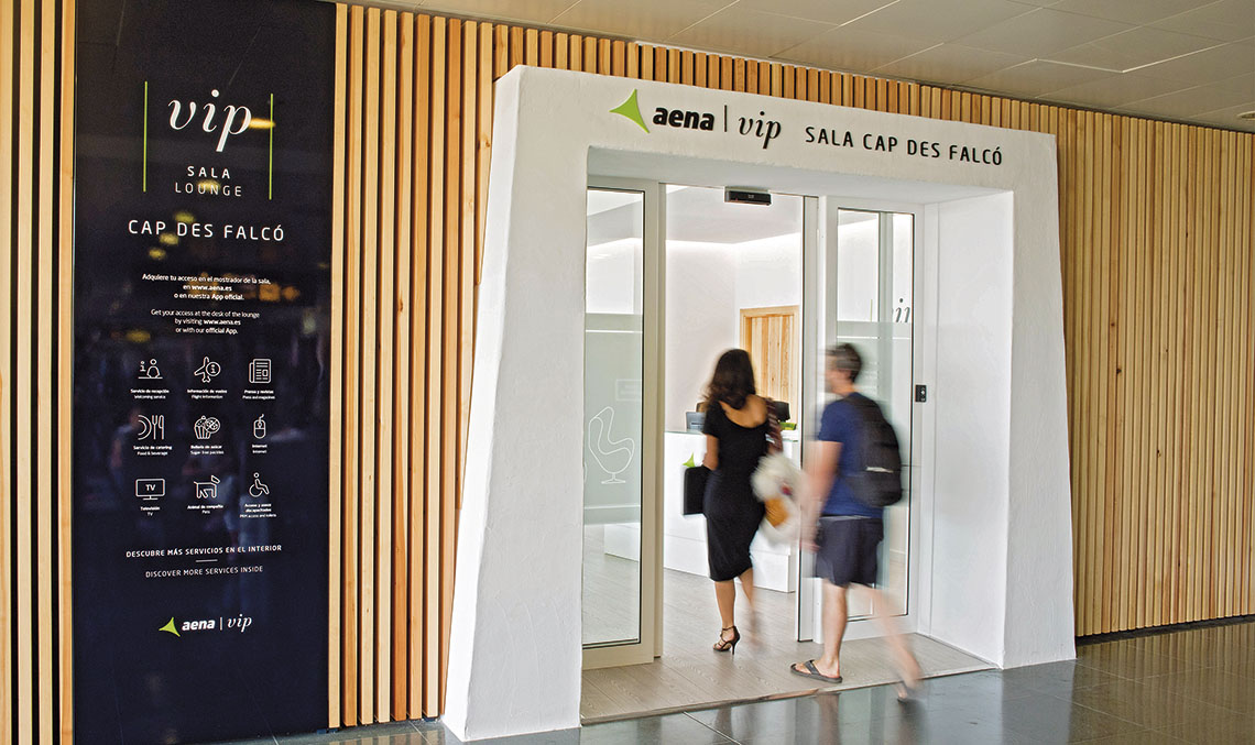 The VIP lounge features a passengers' waiting area and restaurant and office areas, with a partitioned space housing the toilets and service areas.